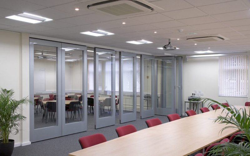 GS100 Double Glazed Movable Wall With Grey Painted Frit Border