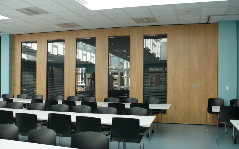 Series AP100 Movable Acoustic Wall With Double Glazed Vision Panels