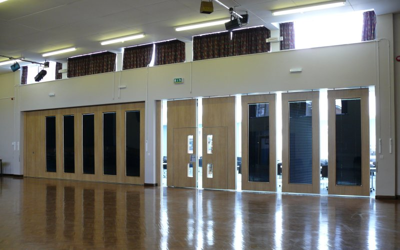Series AP100 Acoustic Movable Wall With Double Inset Passdoors