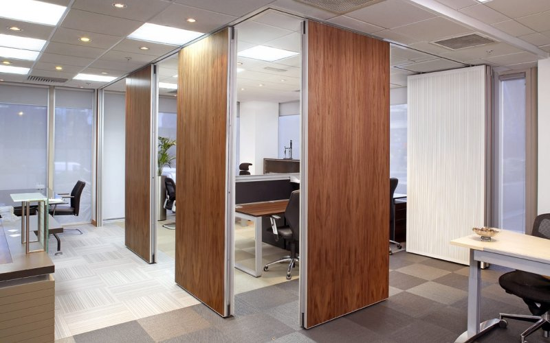 Series AP100 Acoustic Movable Wall With Veneer On One Side & White Painted Slotted Acoustic Panels On The Reverse Side